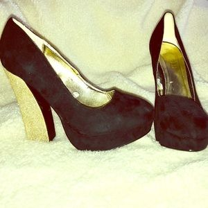 Shoes - Black faux suede Forever 21 heel with glitter heel
